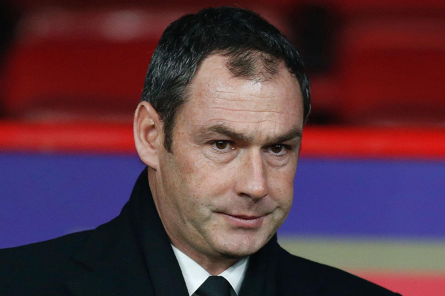 Swansea dapat impak positif tapi Hull pecat pengurus