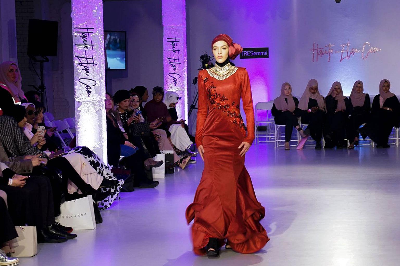 Rekaan pakaian Fatimah Mohsin warnai Minggu Fesyen Sopan London
