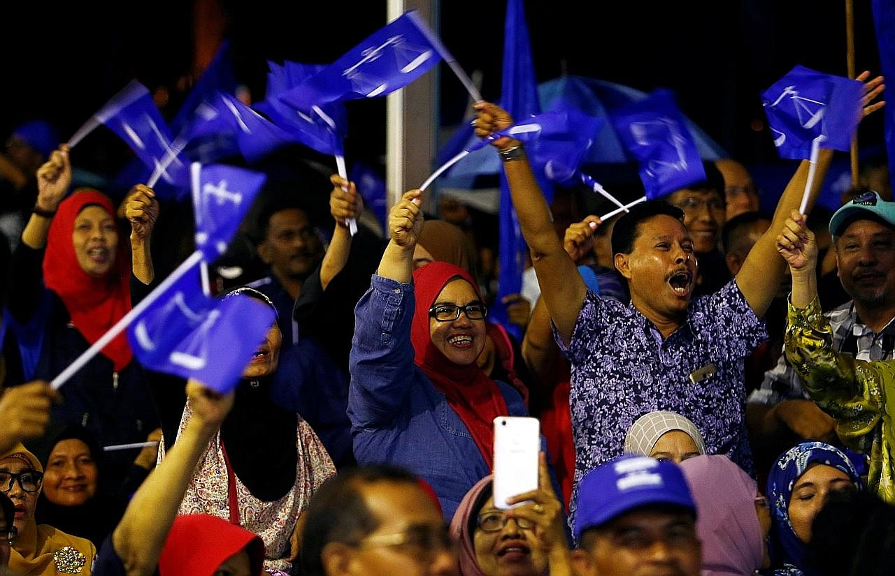 Jentera parti main peranan penting di belakang tabir