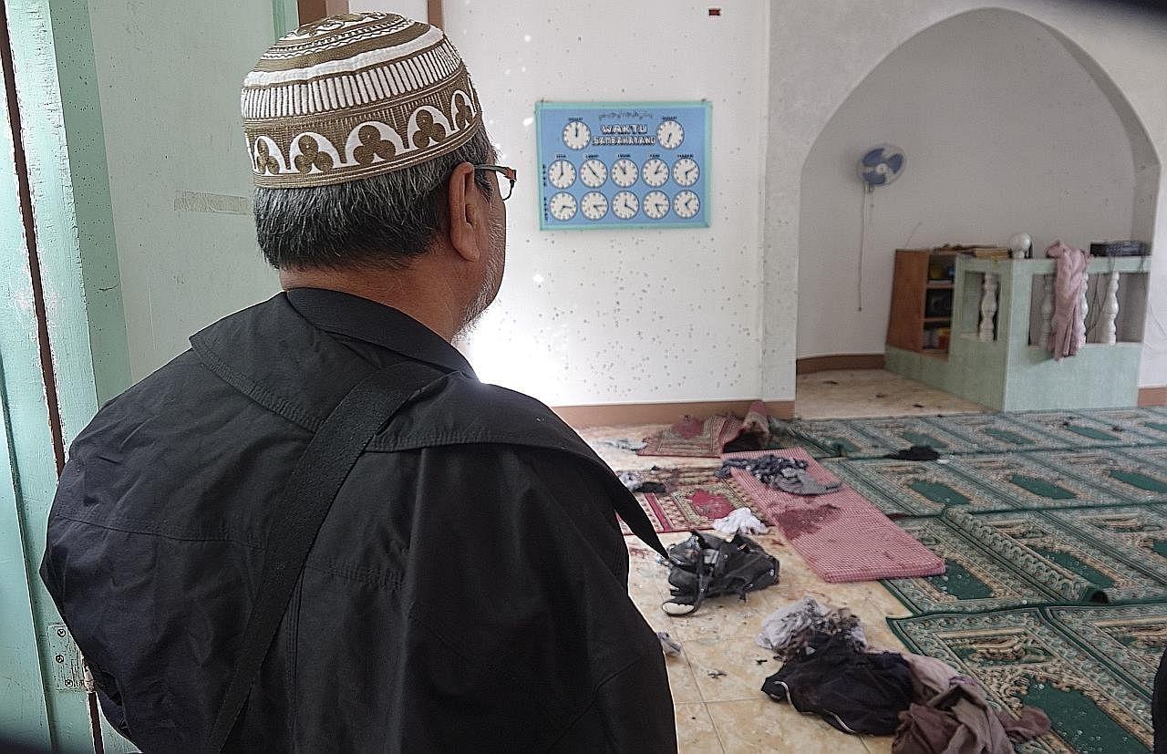 Dua maut dalam serangan bom di masjid selatan Filipina