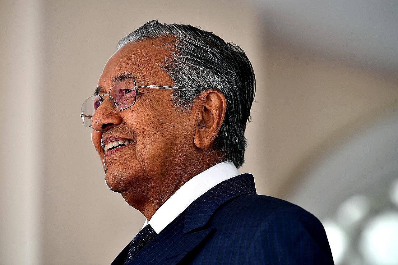 Mahathir sambut ulang tahun ke-94, harap M'sia di landasan pemulihan