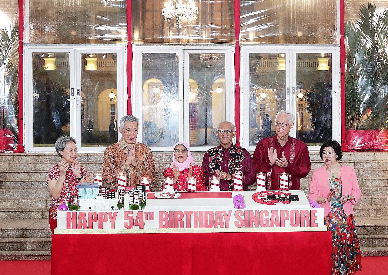 Acara potong kek khas di Istana sempena Hari Kebangsaan