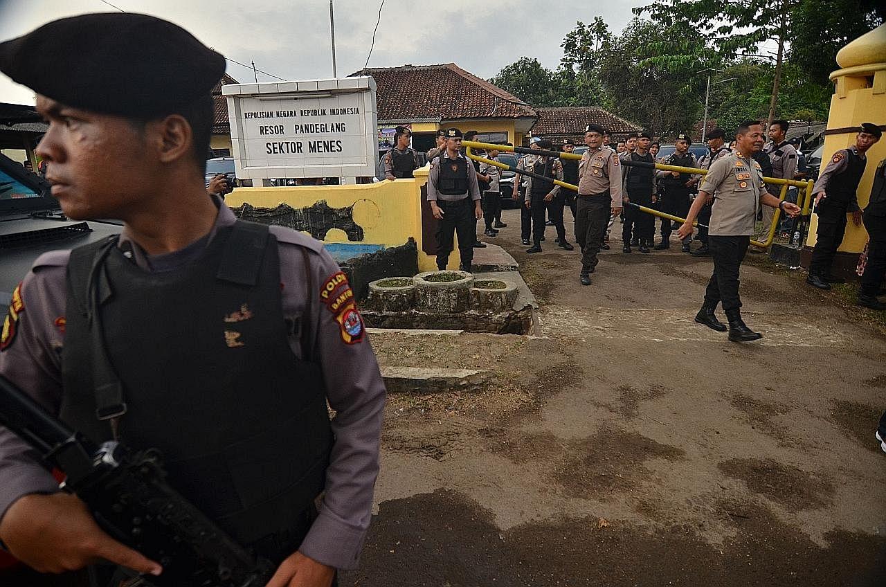 Jokowi arah tindakan tegas terhadap penyerang Wiranto