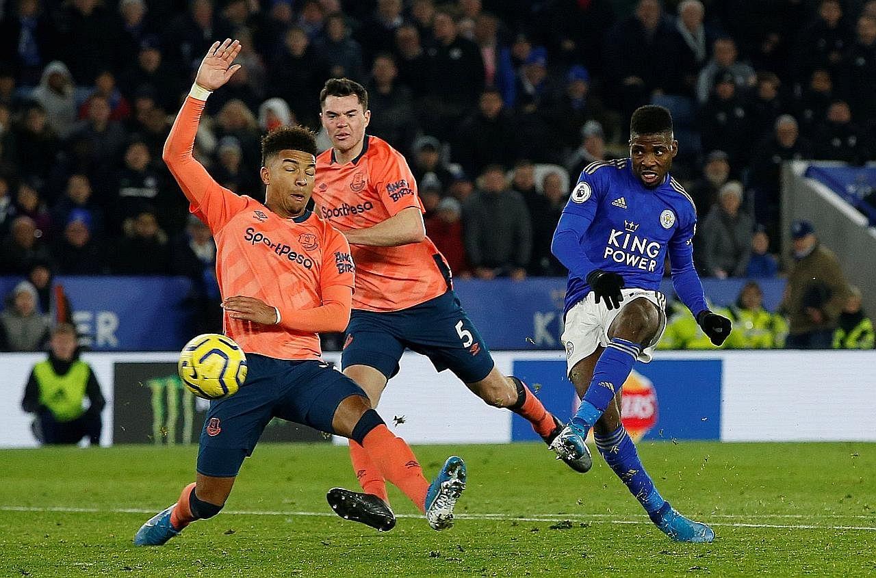 Usaha Man U kejar pendahulu liga tersangkut; Leicester rapat jurang