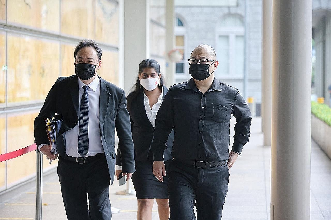 Peguam PM Pengasas beri keterangan kes saman PM Lee terhadap editor TOC