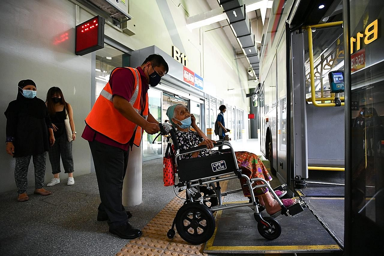 Hab Pengangkutan Bersepadu terbesar SG di Woodlands dibuka