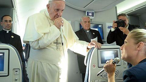Paus Francis tegas Islam tidak boleh disamakan dengan keganasan