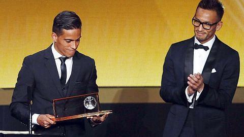 Pemenang gol terbaik Fifa 2015 kini jadi pemain pro alam maya...