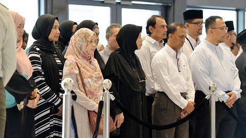 S R NATHAN DALAM KENANGAN Mufti: Mendiang beratkan hubungan antara agama