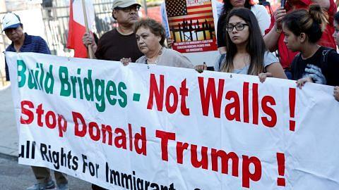 PRESIDEN MEXICO pembinaan tembok?