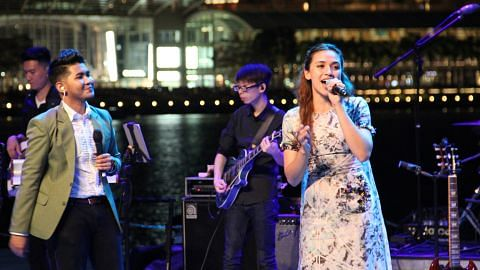 Reyza lancar album 'Luar Biasa' di Muara Esplanade