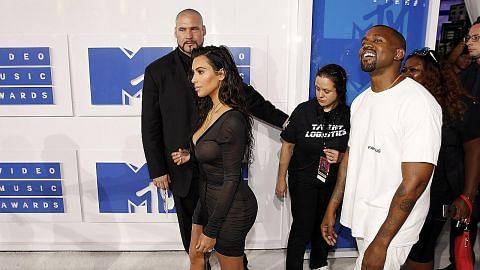 Kim Kardashian dirompak di Paris