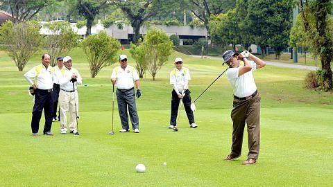 Pertapis salur dana golf amal kepada unit kaunseling baru