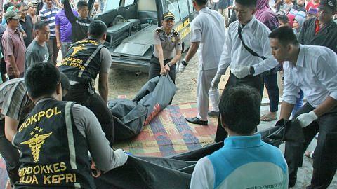BOT KARAM DI PERAIRAN BATAM Usaha cari lagi 40 mangsa yang masih hilang diteruskan