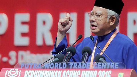 PERHIMPUNAN AGUNG UMNO Najib kecam Dr M; ingatkan akan bahaya jika parti kaum lain berkuasa