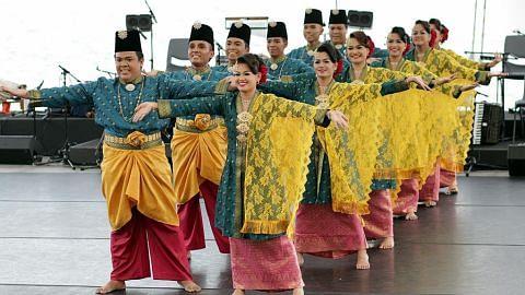 Guna tarian sebar budaya Melayu