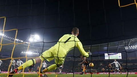 PIALA LIGA Manchester United mara ke final walau Hull City menang