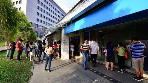 Masyarakat Cina di sini berpusu-pusu masukkan wang ke bank sempena Hari Petani