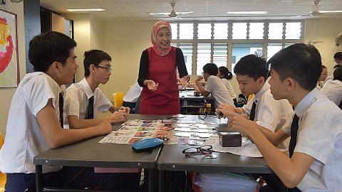 Pelajaran Pertahanan Mutlak melalui permainan kad
