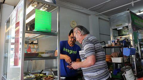 Gerai makanan Melayu turut dikunjungi pelanggan luar negara