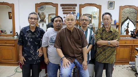 Kedai gunting rambut terus tarik pelanggan