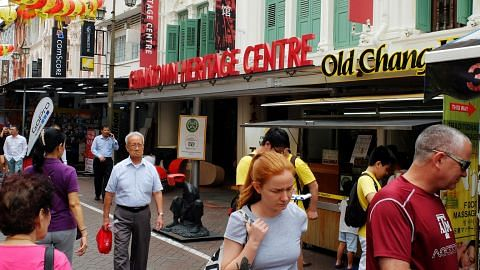 Mudahnya teroka Chinatown guna Laluan Downtown