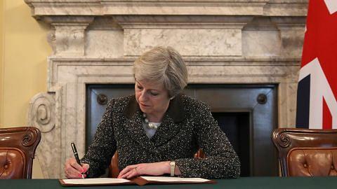 Britain secara rasmi mula proses keluar EU