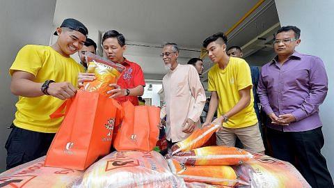 Relawan belia turun padang jayakan projek amal ROW