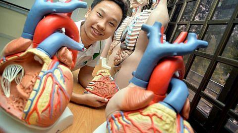 Pelajar terbaik kursus jururawat di poly