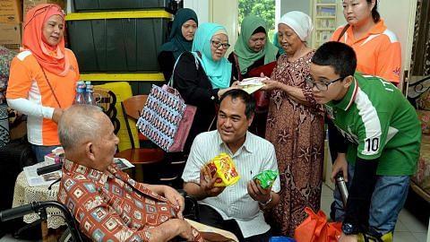 30 relawan agih habuan Ramadan kepada 55 keluarga susah