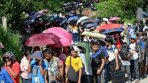 Filipina batal runding dengan komunis