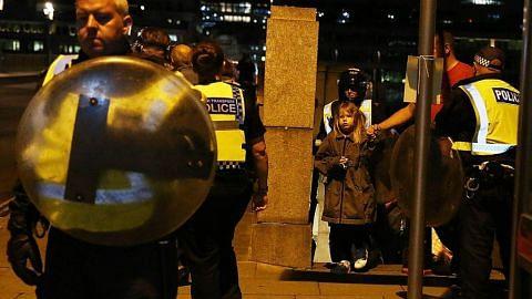 Rakyat Britain tunjuk solidariti lalui saat getir