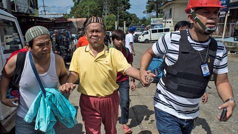 Ribuan orang awam masih terperangkap di Marawi