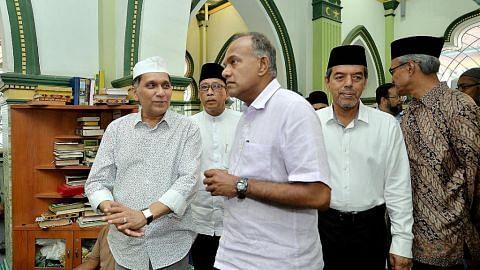 Shanmugam hadir majlis iftar, tinjau usaha baik pulih Masjid Abdul Gaffoor