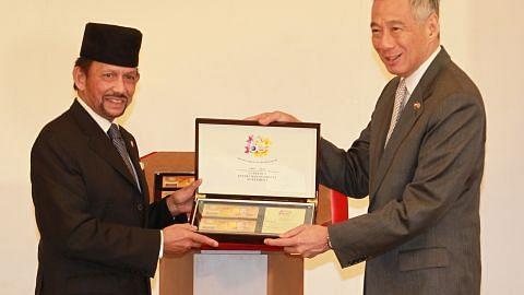 Wang kertas peringatan S'pura, Brunei dilancar