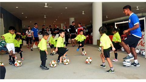 Pelbagai acara dan aksi bagi semarak arena bola sepak