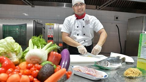 Gajikan pakar pemakanan demi hasilkan hidangan sihat