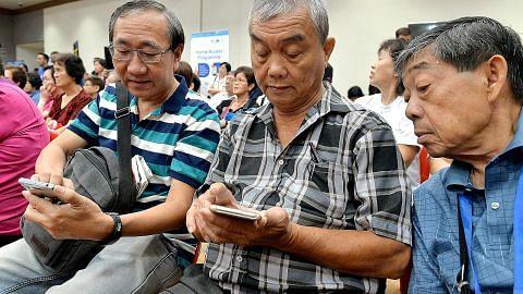 Bengkel di Heartbeat@Bedok bantu warga senja mesra teknologi