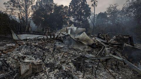 Kebakaran di utara Los Angeles dikhuatiri merebak