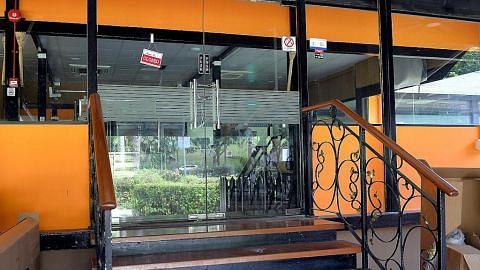 Farid Khan dan anak tutup Restoran Seri di Queensway