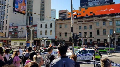 Dua ditahan dalam rempuhan di Melbourne, 16 cedera