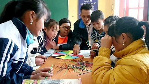 Pelajar setempat dampingi belia Vietnam menerusi pelbagai kegiatan, kerja masyarakat