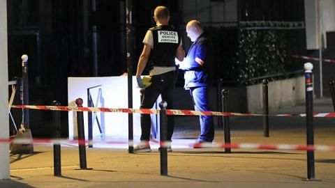 7 wounded, including 2 British tourists, in Paris knife attack