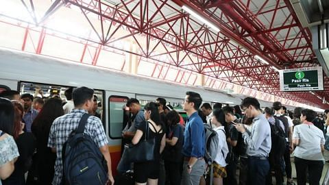 East-West Line delay caused by switch mechanism problem