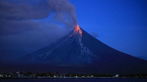 MFA: Elak kunjung kawasan Gunung Mayon di Filipina