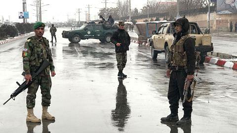 Pengganas serang pangkalan tentera Afghan, seorang askar maut