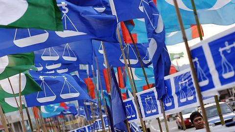 Umno yakin tidak berlaku tsunami pengundi Melayu, kemesraan Mahathir-Kit Siang sekadar 'drama'