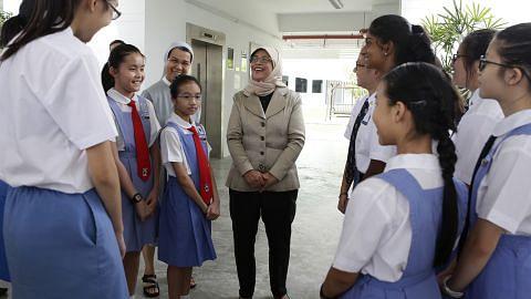 Presiden Halimah galak wanita muda tampil beri kesan positif kepada masyarakat