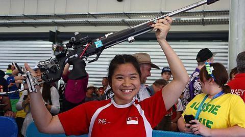 Martina menang emas kedua S'pura