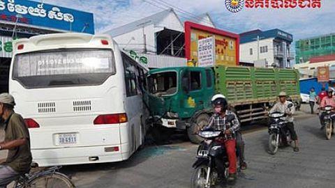 Sembilan pelajar Institut Millennia cedera dalam kemalangan di Kemboja